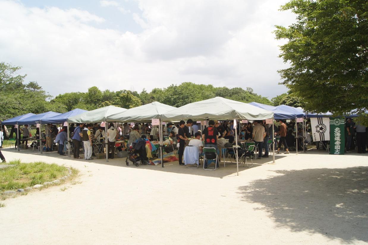 【東京】キャンパスライフを思う、初夏の公園に漂うジンギスカンの香り ー北大東京ジンパ2019開催、参…