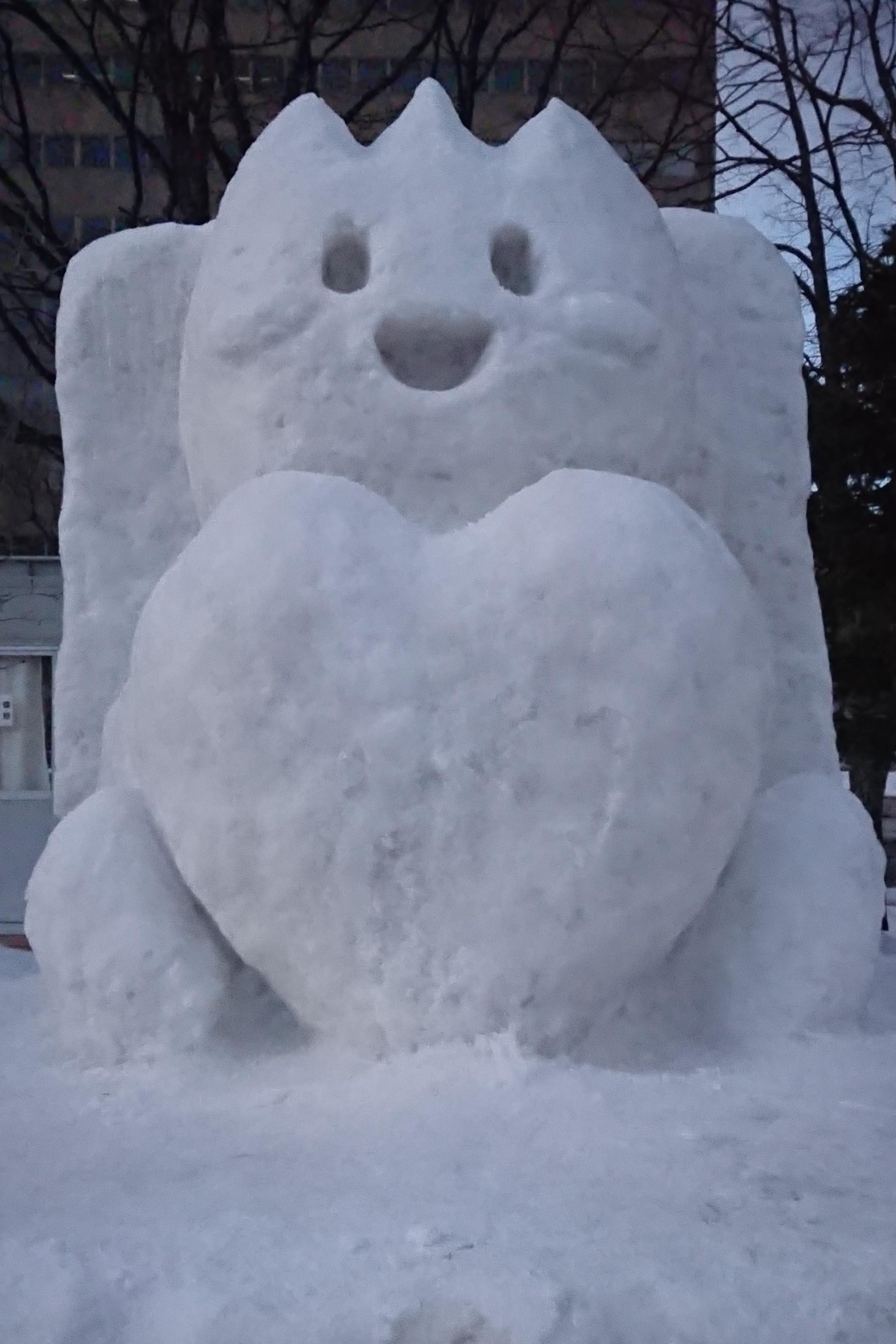 本学サークルなどがキャラクターの雪像を制作 ―第71回さっぽろ雪まつり