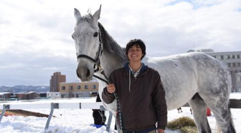 馬と心を通わせる —体育会馬術部
